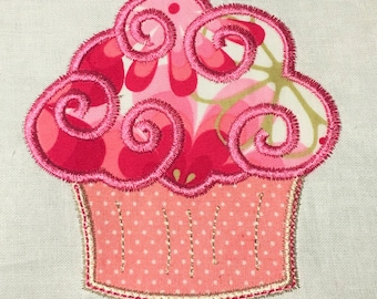 Cupcake appliqué design with topstitch for embroidery machine. digital download
