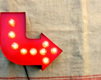 Arrow sign marquee light, Curved marquee lamp, Industrial wall decor