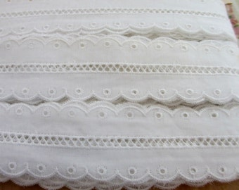 3 Yards 35  mm Vintage Off White Japanese Lace Entredeux Insert Embroidered Cotton Trim Ribbon with Flower Design