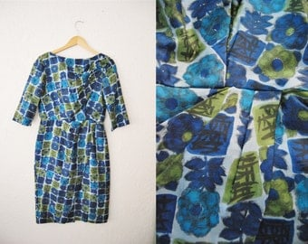 Vintage 60s Wiggle Dress Pure Silk Blue Print / Wommens / Medium Size