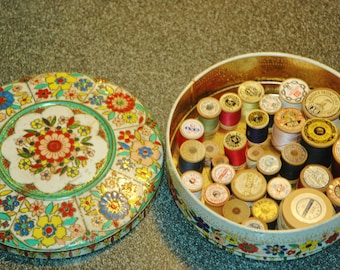 Old Tin Filled With 29 Wood Spools Of Vintage Thread...