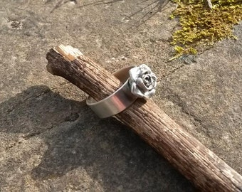 rose ring in sterling silver, any size.