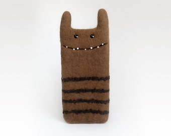 Monster felted case for iPhone 6, caramel phone case, iPhone 6 sleeve, wool felted monster case, handmade case, eco-friendly, Ready to ship