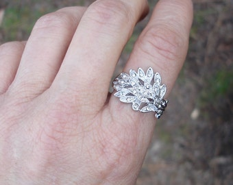 Leaf ring, silver leaf ring, stone ring, Size 7 ring, leaf rings, crystal ring, leaf crystal ring, gift for her, gift ideas,