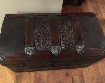 Steamer Trunk, arch Top Trunk, Camel Back Trunk