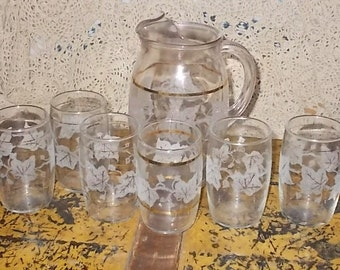 Pitcher Set with glasses, Frosted and Gold Leaf Design Frosted,Gold Pitcher Set with glasses,Juice/Wine Bar Pitcher,French Bistro 1950s/:) S