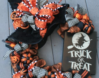 Trick or Treat Witches Hat Halloween Wreath