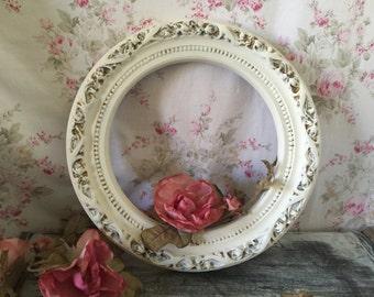 Antique White ornate frame, Round frame, shabby chic, cottage, wedding, photo prop - Vintage Frame Round ornate frame - Glass included