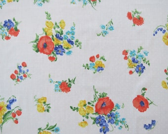 Vintage Sheet Fabric Fat Quarter - Red Poppy Floral - 1 FQ