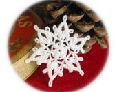 Crocheted snowflake Christmas snowflake ornaments White hanging ornaments Home decorations Winter wonderland Home decor elements S18
