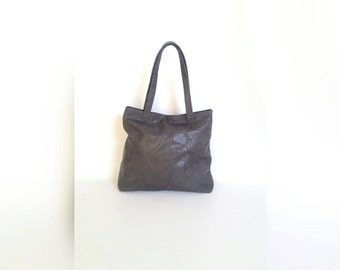Unique Women Gray Leather Tote Bag with outside pocket / Carryall Purse / Original Shoulder Handbag Yuritzy