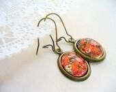 Red Dry Flower Oval Earrings, Red Jewelry, Antique Brass Jewelry, Resin Oval Dangle Earring, Dried Flower Earring, DLAbeaddesign