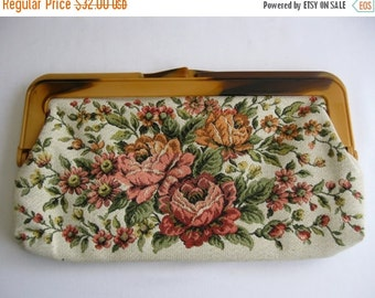 ON SALE vintage. CLUTCH. floral. Brocade. pink hues. 1950s.