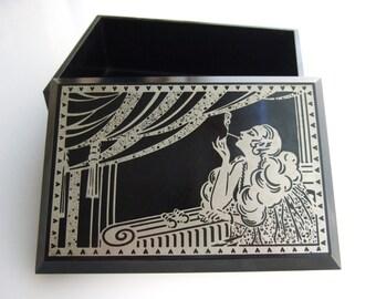 Smoking woman bakelite cigarette box Art Deco | Laboratoires Docteur Zizine