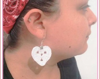 1 Pair HEART CROCHET Dangle EARRINGS Hand made Yarn earrings