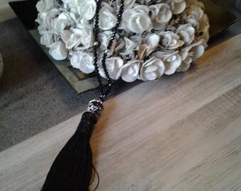 Pompom necklace