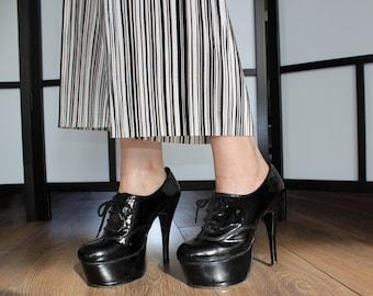 Fantasy Shoes UK size 5 patent leather