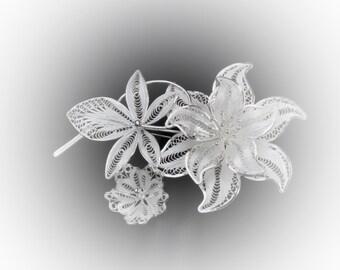 Brooch bouquet of silver filigree