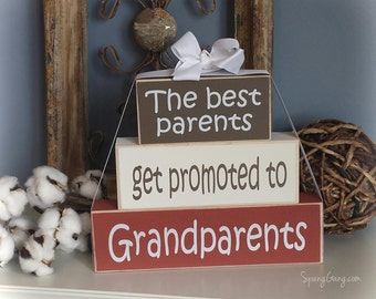 """Mothers Day gift for Grandma: """"The Best Parents Get Promoted to Grandparents - Baby announcement, Pregnancy, Grandpa, Grandma, Grandparents"""