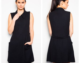 chic & sophisticated Versus GIANNI VERSACE waffle weave black wool peter pan collar statement button shift dress