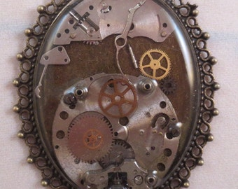 Elizabeth VI- Steampunk Resin Necklace