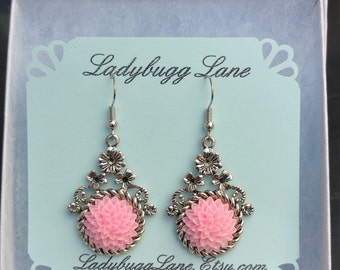 Light Pink Mums   Earrings