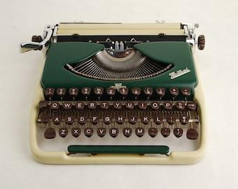 Typewriter Groma Kolibri, Duotone Green Yellow