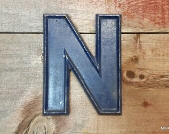 """Salvage aluminum letter N.  Adler Silhouette movie theatre marquee cast aluminum 10"""" blue letter"""