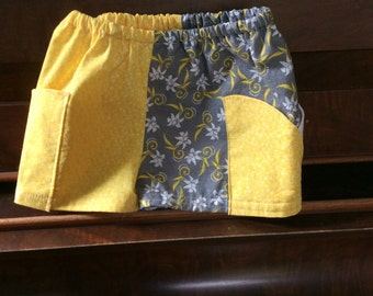 Shorts size 12 months