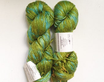 50% Off Mulberry Silk Worsted Yarn 100 g 225 Yards Himalayan Green Blue