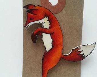 Pouncing fox brooch pin badge