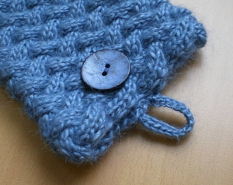 Cabled Kindle Cosy pattern PDF