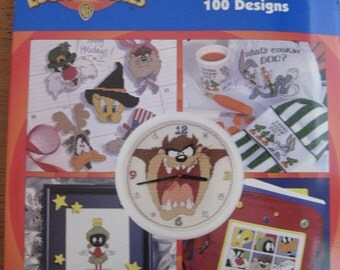 Leisure Arts - Looney Tunes - The Big Book of Cross Stitch - 100 Designs