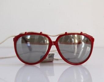 Vintage Polaroid Red Frame,, Mirror Polarizing Lenses. POLAROID 1912.  Made in France. Collectible.