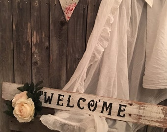 French Farmhouse Welcome sign