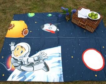 Picnic blanket Spaceship Spaceman Modern City Picnic EXTRA LARGE blanket and Bag Beach blanket Summer Picnic blanket Outside blanket GIFT