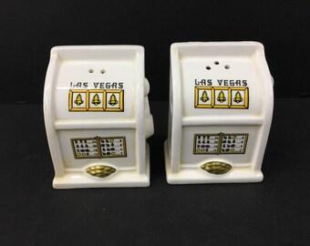 Las Vegas Slot Machine Salt Pepper Shakers Souvenir Casino Plugs Ceramic