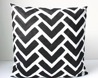 Boomerang Print Pillow, Geometric Pillow, Modern Pillow, Patterned Pillow, Black Pillow, Black and White Pillow, 16 x 16 Cover