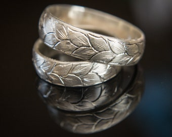 Hand Engraved Ring Engraved Wedding Bands Set Hand Carved Band Hand Engraved Leaves Pattern in 925, 14K or 18K