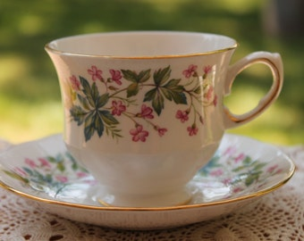 "Queen Anne Bone China Teacup and Saucer Set ""Pattern Number 8538"""
