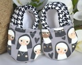 Grey Nunnie Nunnie Baby Shoes - Mushies Baby Shoes - Grip Sole Baby Shoes - Happy Nun Baby Shoes - 6-12 month Baby Shoes - Fabric Baby Shoes