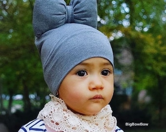Beanie With Bow in Grey