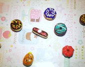 6 miniature donuts, mini donuts, mini food, polymer clay food, doll house food, elf food, props, mini doughnuts, cabochons, decoden supplies