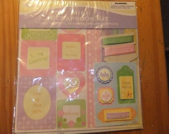 MINI SCRAPBOOK KIT