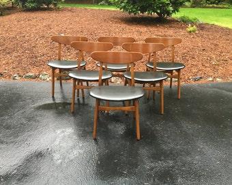 Set of 6 Mid Century Hans Wegner CH-30 dining chairs