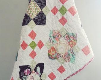Quatrefoil Quilt, Baby Blanket, Crib Quilt, Toddler Blanket, Snuggle Quilt, Security Blanket, Throw Blanket, Travel Blanket