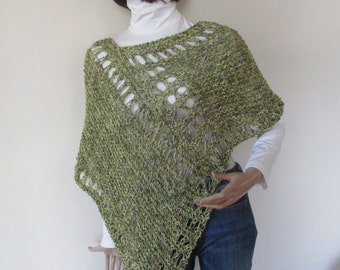 KNIT PONCHO -SWEATER