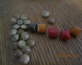 Vintage Buttons Bakelite 1940s