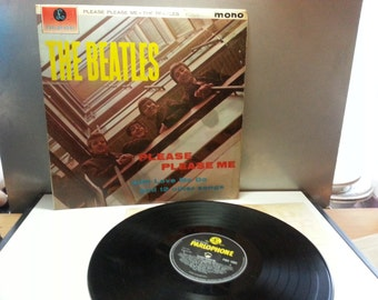 The Beatles Album Parophone Label, Please Please me, with love me do and 12 other songs, nice condition
