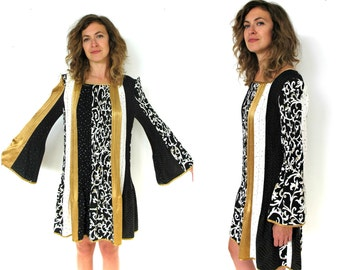 1970's bell sleeved patterned shift dress